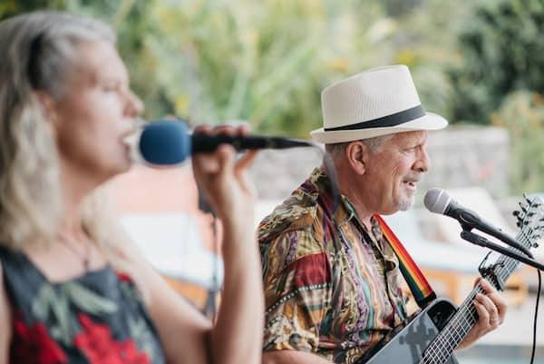 Mark and Traci perform at a wedding in Santa Cruz la Laguna